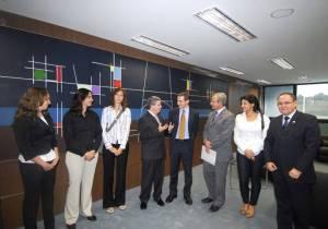 Governador Antonio Anastasia e a equipe técnica da FIFA (Foto:Omar Freire)